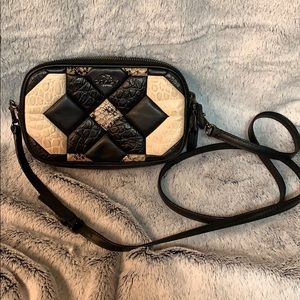 Small cross body quilted bag